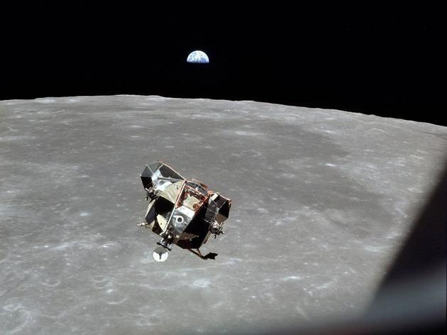 被遗忘的宇航员逝世迈克尔·柯林斯谈太空探索的过去和未来